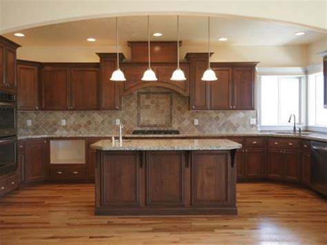kitchen colors with brown cabinets best 25 kitchen ideas on kitchen