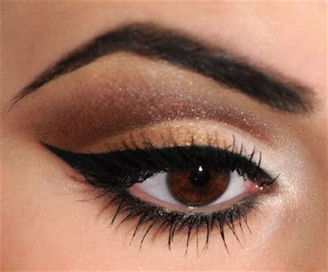 using eye shadow neutral cut crease eye shadow step by step tutorial