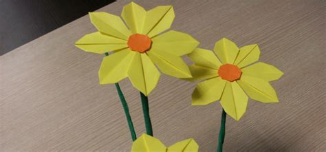 make a origami flower how to make pretty paper craft origami yellow flower step