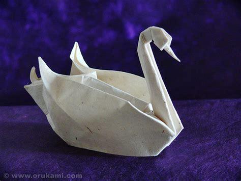 origami paper swan calvin byrom 3d origami swan basket