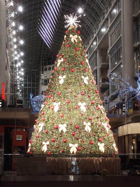 mall tree the eaton mall tree by e314c on deviantart