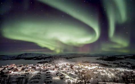 swedish lights luxury holidays lapland northern lights sledding more