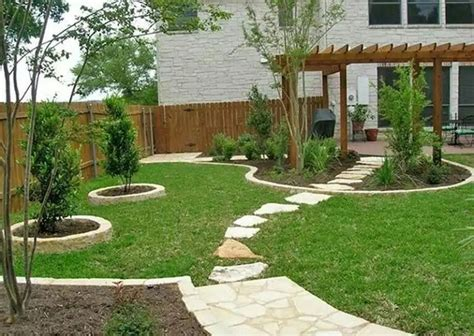 patio landscape design ideas 1000 ideas about sloped front yard on front