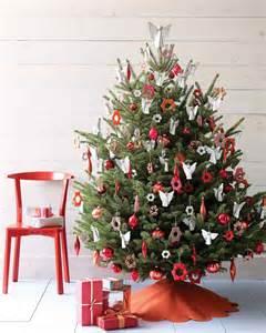 roter weihnachtsbaum tree decorating ideas martha stewart
