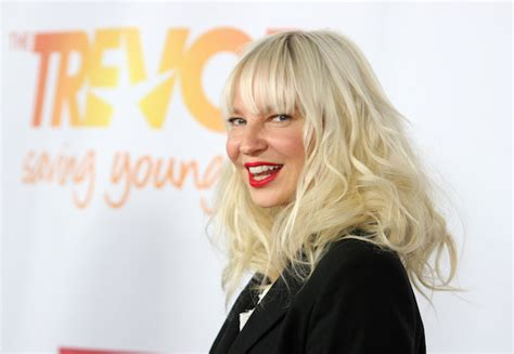 song chandelier sia review sia goes ham for quot chandelier quot