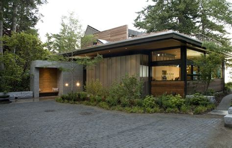 green home designs jetson green ellis residence has a lush green roof