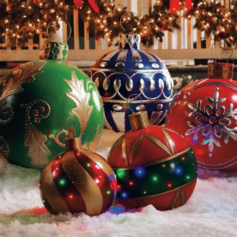 outdoor illuminated decorations outdoor lighted ornaments the green