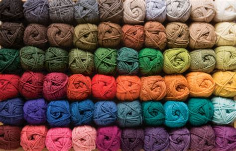 how to change yarn colors when knitting in the wool of the andes worsted yarn knitting yarn from