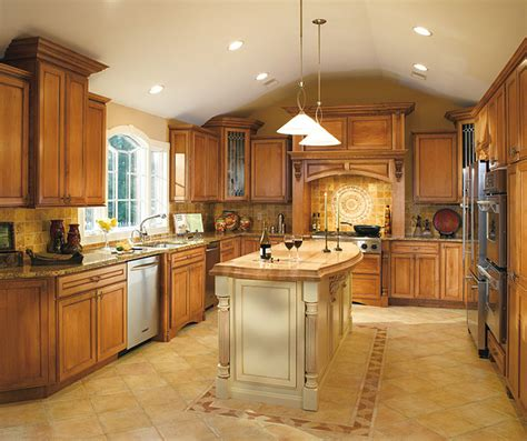 how to clean maple kitchen cabinets maple cabinets traditional kitchen decora