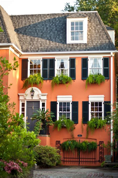 paint colors homes 10 bold colors to paint your home s exterior