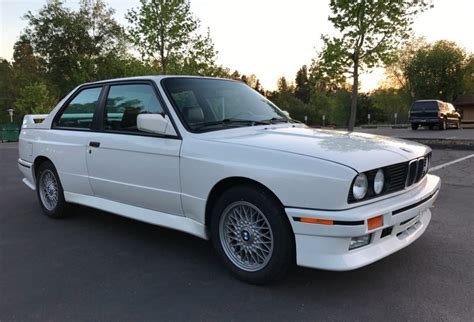 1990 Bmw M3 by 1990 Bmw M3 For Sale On Bat Auctions Sold For 39 888 On