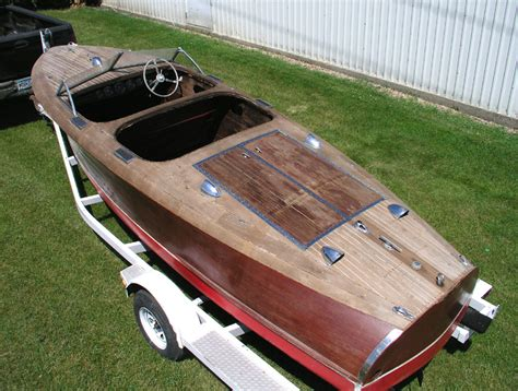 chris craft project boats for sale 1942 19 chris craft barrel back custom runabout for sale