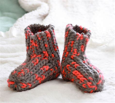 free knit slipper patterns beginners free knitting patterns to make with chunky yarn michele