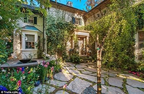 Shabby Chic Bedrooms Pinterest by Jennifer Lawrence Acquires New Mansion Worth 8 Million In