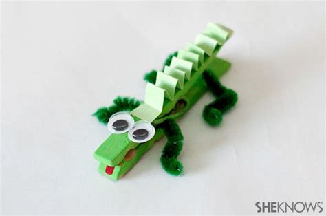 how to make a lizard out of 25 clothespin crafts for