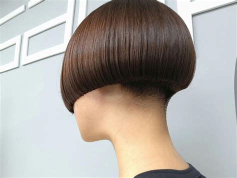 bobbed haircut with shingled npae 1000 ideas about short angled bobs on pinterest short