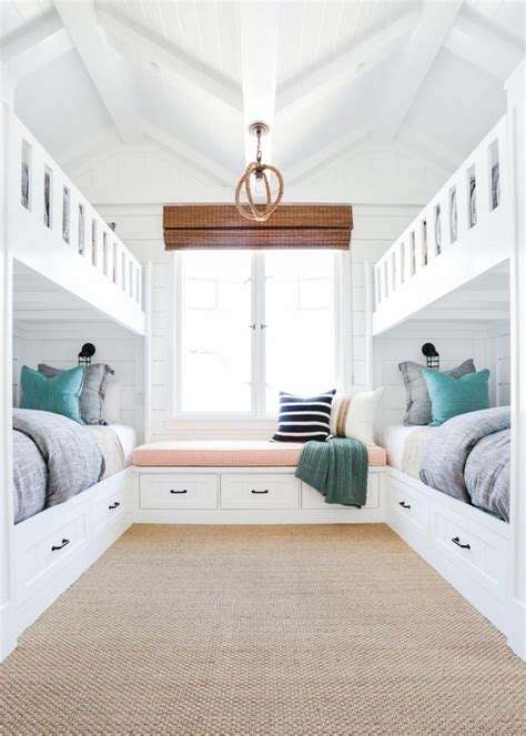 cool bunk bed rooms best 25 built in bunks ideas on bunk beds