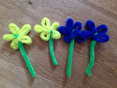pipe cleaner crafts for easy easter bonnet easy hat for easter parade flower