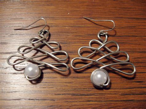 how to make wire wrapped jewelry diy wire wrap tree earrings make something