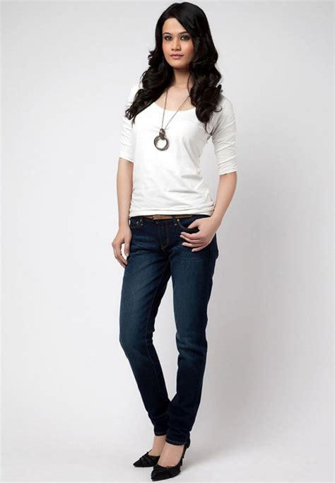 tubuh wanita fashion style
