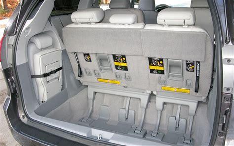 Minivan Cargo Space by 2011 Toyota Cargo Space Photo 11
