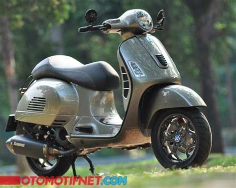 Modifikasi Vespa Model Harley by 25 Best Ideas About Vespa Gts On Vespa 300