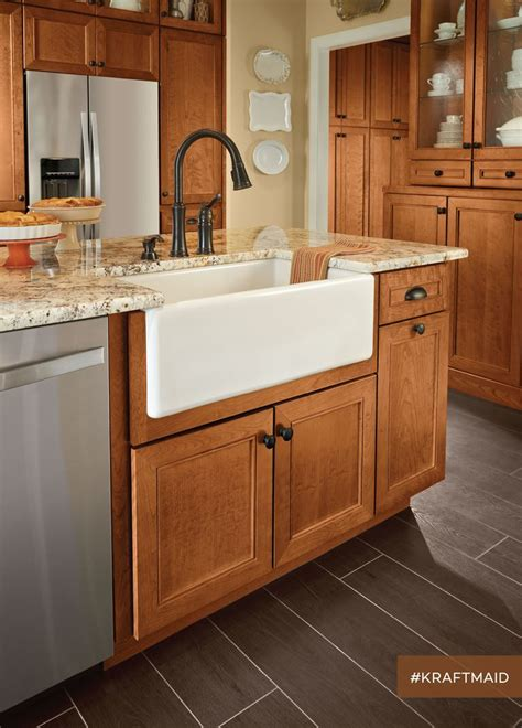 Cherry Cabinets by 25 Best Ideas About Cherry Cabinets On Cherry