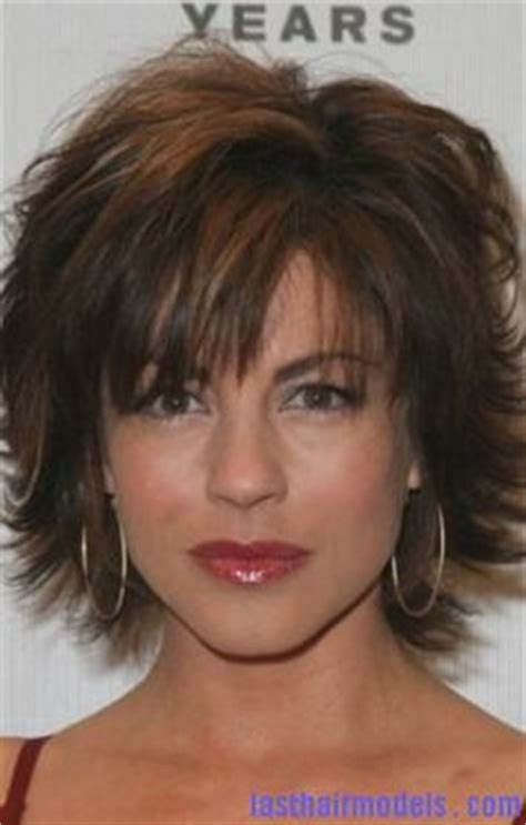 what is the texture of rinnas hair lisa rinna hairstyle pictures adopting the attractive