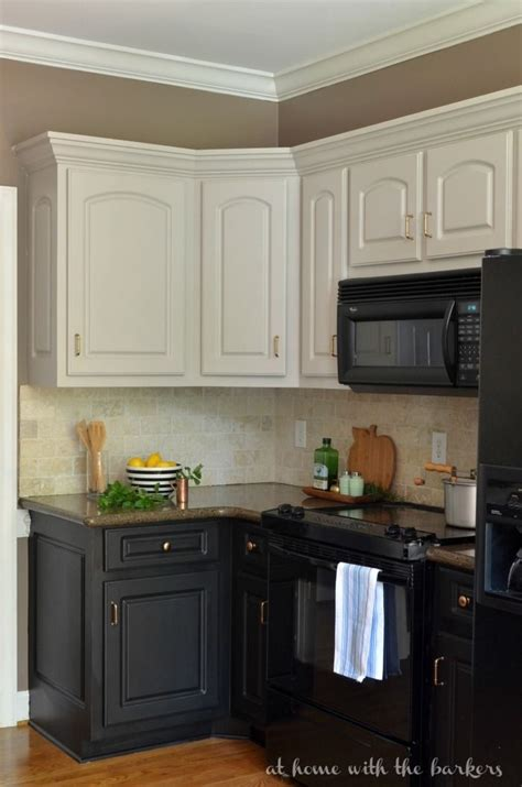 ideas on painting kitchen cabinets 25 best collection of two tone painted kitchen cabinets