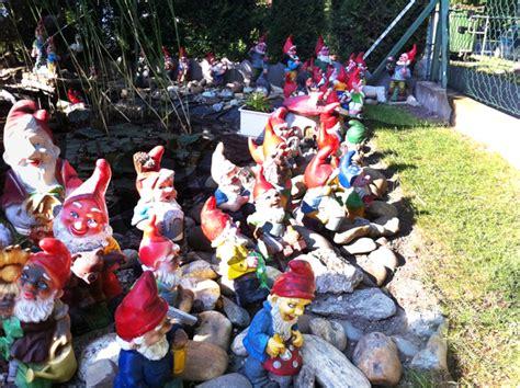 Haus Der Gartenzwerge by Die Heimat Der Gartenzwerge Und Guerilla Gardening F 252 R