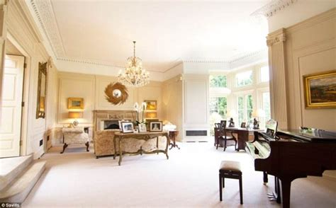 beckham home interior david and beckham preparing to spend 163 5 4m on a home in gloucestershire daily mail