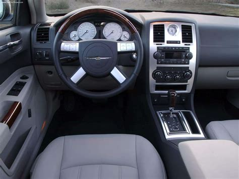 2005 Chrysler 300 Interior by Chrysler 300 2005 Picture 22 Of 31
