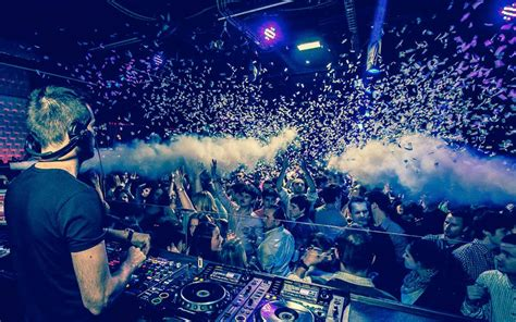 barcelona clubs nightlife top 5 beach clubs in barcelona - Best Night Club Barcelona