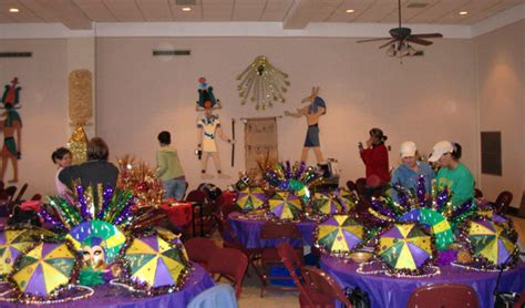 mardi gras factory masquerade table decorations ideas photograph wir
