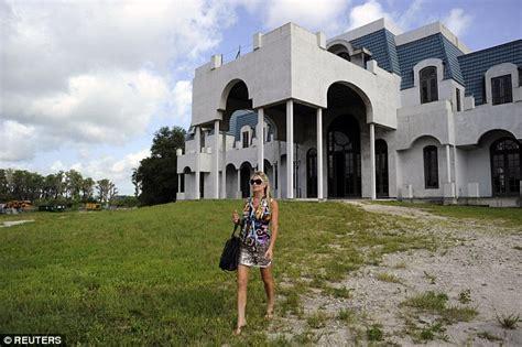 Versailles Florida Floor Plan inside jackie siegel s gaudy versailles mansion bowling