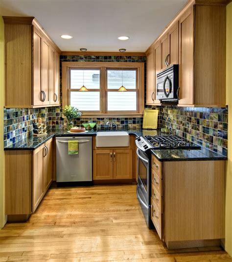 small square kitchen ideas best 25 small kitchen design ideas on