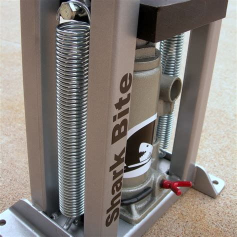 hydraulic press for jewelry 25 best hydraulic press images on handmade