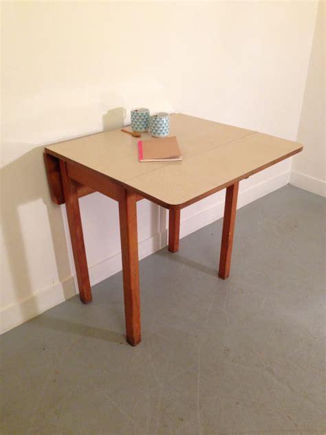 tables de cuisine pliantes table pliante 2 chaises blanches sobuy fwt10w table murale