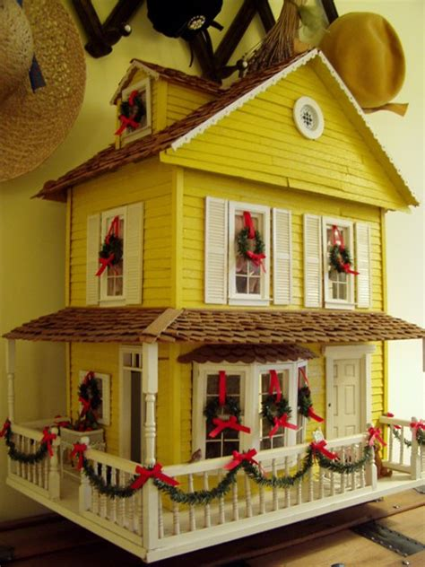 doll house decorations dollhouse decorated for