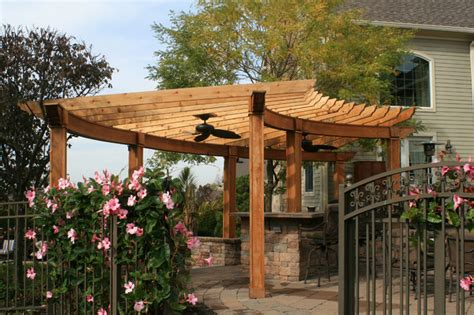 curved pergola project