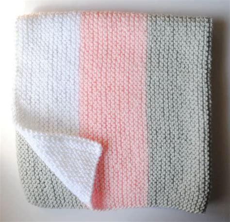 finger knit blanket 1000 ideas about knit blanket on