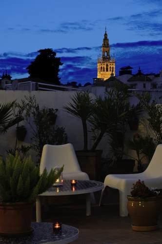 booking hostels in sevilla budgethostels in sevilla spanje