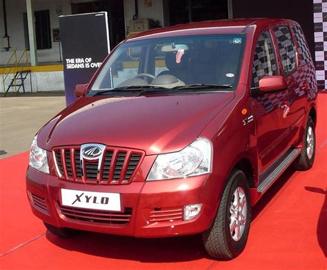 Xylo Car Wallpaper by Mahindra Xylo Indian Car Images Wallpaper Snaps Pictures