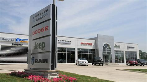 Chrysler Dealership Number by Jeep Service Center Ram Repairs Maintenance Near