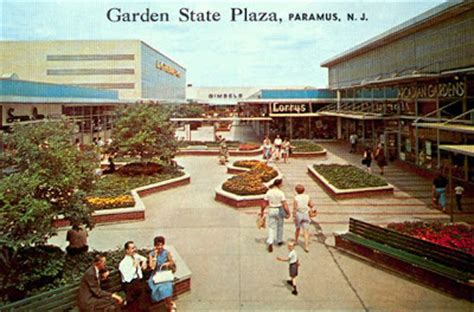 Garden State Plaza December Hours Malls Of America Vintage Photos Of Lost Shopping Malls