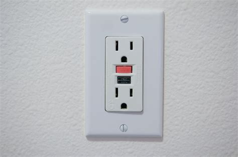 electrical outlet s what are gcfi and gfi outlets homestructions