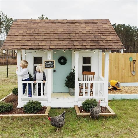 backyard playhouse ideas 25 best ideas about outdoor playhouses on