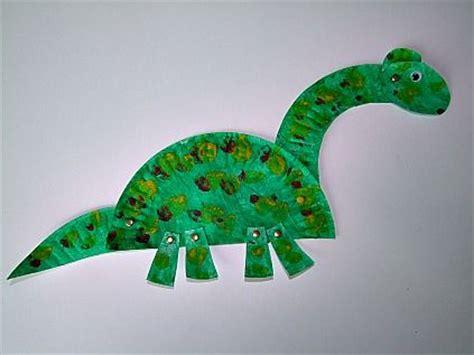 dinosaur craft projects 10 activit 233 s cr 233 atives pour les moins de 3 ans un jour