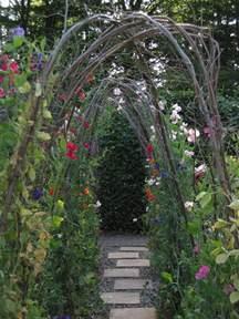 Garden Arch Vines Ewa In The Garden 15 Ideas Of Diy Pea Trellis