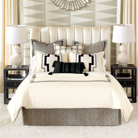 bedding for a bed 17 best ideas about pillow arrangement on bed